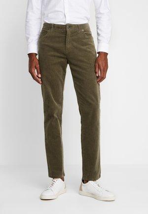 Pantalones -  oliv
