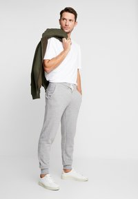 Pier One - Pantaloni sportivi - mottled light grey - 1