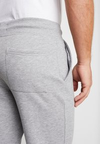Pier One - Pantaloni sportivi - mottled light grey - 3