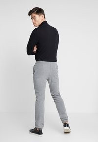 Pier One - Tracksuit bottoms - grey - 2