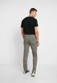Pier One - Spodnie materiałowe - black/yellow - 2
