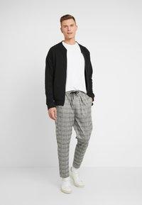 Pier One - SMART JOGGER - Teplákové kalhoty - grey - 1