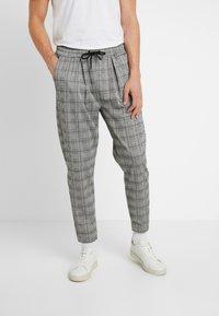 Pier One - SMART JOGGER - Teplákové kalhoty - grey - 0