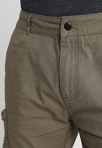 Pier One - Shorts - oliv - 3