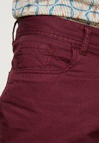 Pier One - Shorts - bordeaux - 5