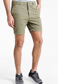 Pier One - Shorts - olive - 0