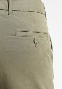Pier One - Shorts - olive - 4