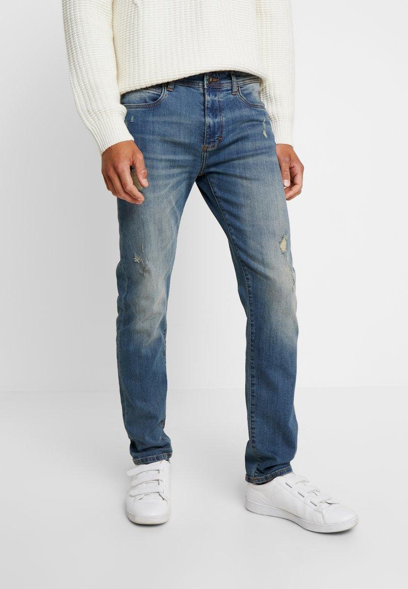 Pier One - Slim fit jeans - dirty denim