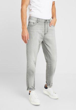 Zúžené džíny - mottled light grey