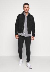 Pier One - Slim fit jeans - black denim - 1