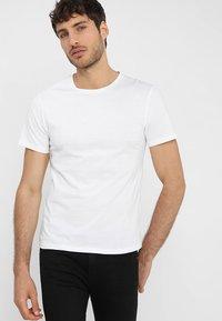 Pier One - Basic T-shirt - white - 0