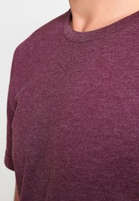 Pier One - T-shirt basic - bordeaux melange - 5