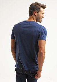 Pier One - Basic T-shirt - dark blue - 2