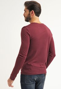 Pier One - Langarmshirt - bordeaux - 2