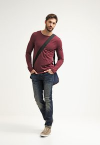 Pier One - Langarmshirt - bordeaux - 1