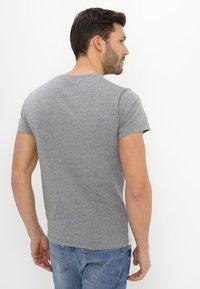 Pier One - Camiseta estampada - white - 2
