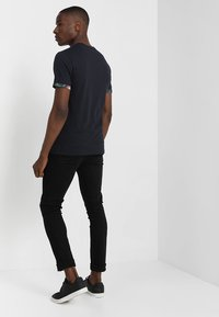 Pier One - Print T-shirt - dark blue - 2
