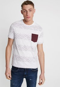 Pier One - Print T-shirt - white/red - 0