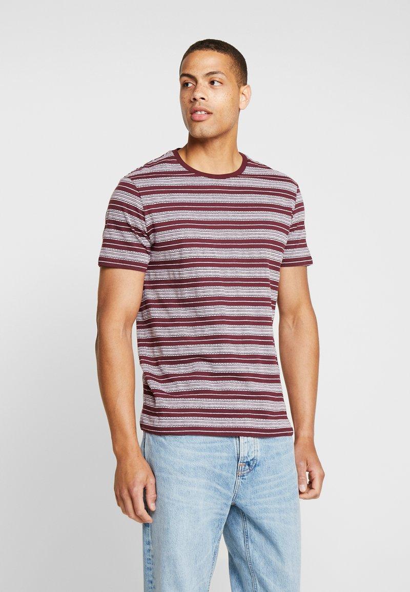 Pier One - T-shirt print - bordeaux