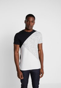 Pier One - T-shirt imprimé - black/offwhite - 0