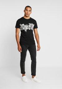 Pier One - T-shirt med print - black - 1