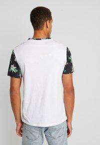Pier One - T-shirt imprimé - white - 2