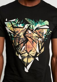 Pier One - T-shirt med print - black - 5