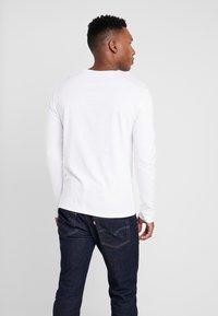 Pier One - Langærmede T-shirts - white - 2