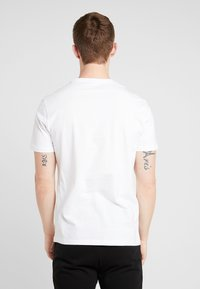 Pier One - 5 PACK - T-shirt - bas - white - 3