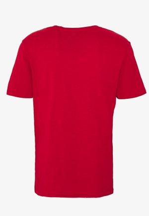 Jednoduché triko - light red