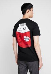 Pier One - T-shirts med print - black - 0