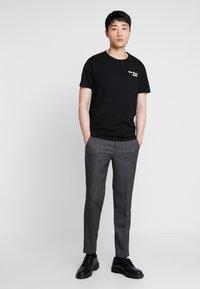 Pier One - T-shirts med print - black - 1