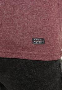 Pier One - T-shirt basic - mottled bordeaux - 5