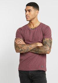 Pier One - T-shirt basic - mottled bordeaux - 0