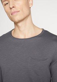 Pier One - Camiseta de manga larga - dark gray - 4