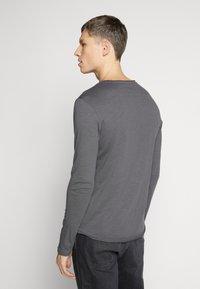 Pier One - Camiseta de manga larga - dark gray - 2