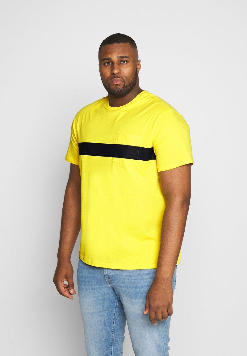 Pier One - Basic T-shirt - yellow