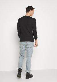 Pier One - T-shirt à manches longues - black - 2