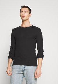 Pier One - T-shirt à manches longues - black - 0