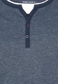 Pier One - Jednoduché triko - mottled dark blue - 2