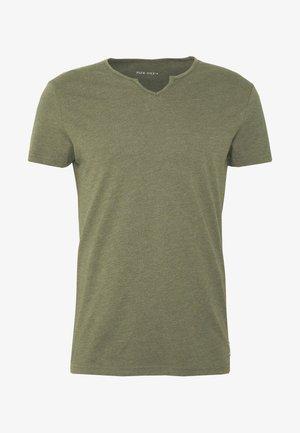 T-paita - oliv