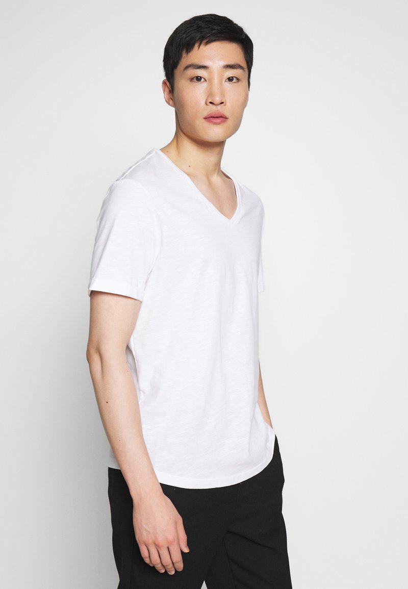 Pier One - Jednoduché triko - white