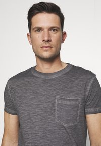 Pier One - T-shirt basique - dark gray - 3