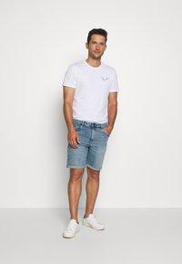 Pier One - WHALE TEE - Print T-shirt - white - 1