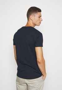 Pier One - T-shirt z nadrukiem - dark blue - 2
