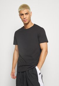 Pier One - 7 PACK - Basic T-shirt - black - 2