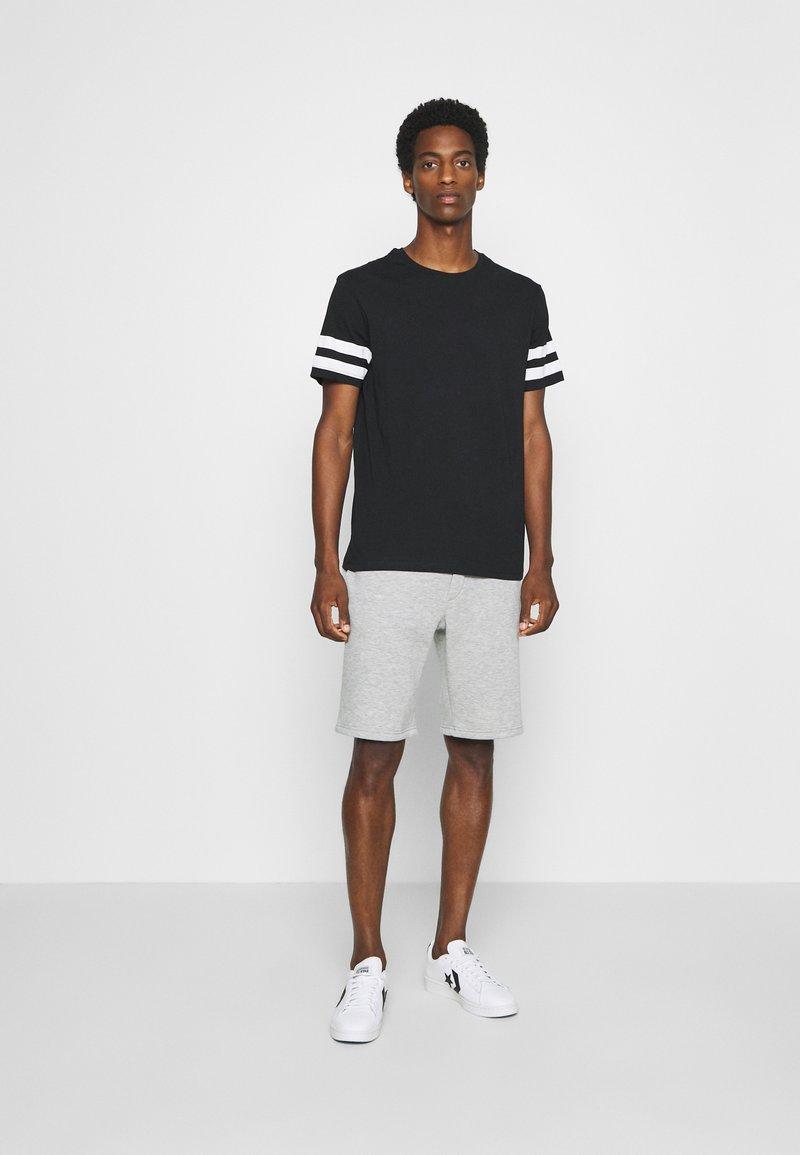 Pier One - SET - Shortsit - black, mottled grey