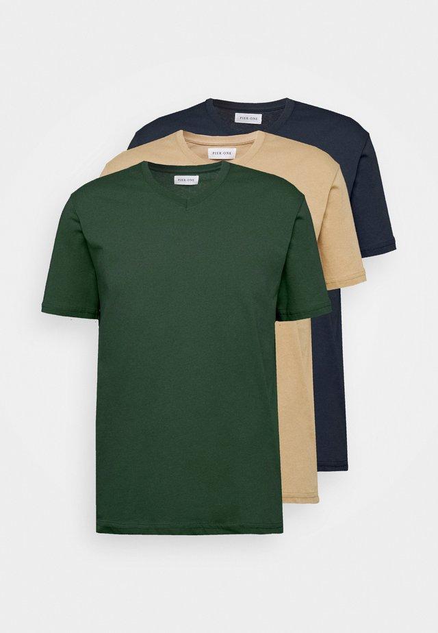 3 PACK - T-Shirt basic - khaki/tan/dark blue