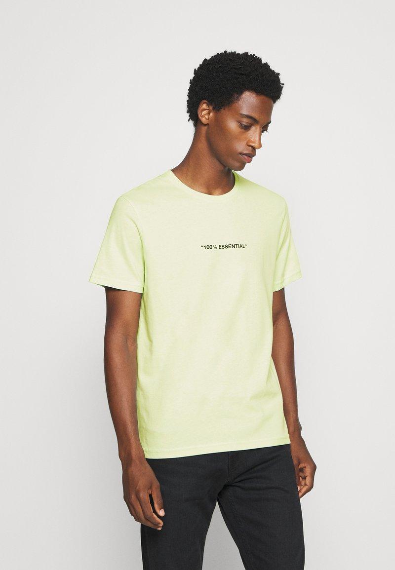 Pier One - T-shirt z nadrukiem - green