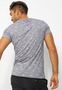Pier One - T-Shirt print - dark blue melange - 2